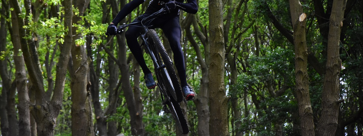 Bandenspanning voor mountainbikes bepalen