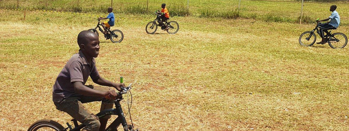 Inruilspektakel: update vanuit Uganda!