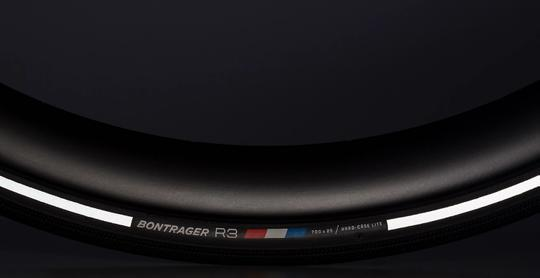 Bontrager R3 Hard-Case Lite Reflective Buitenband Racefiets