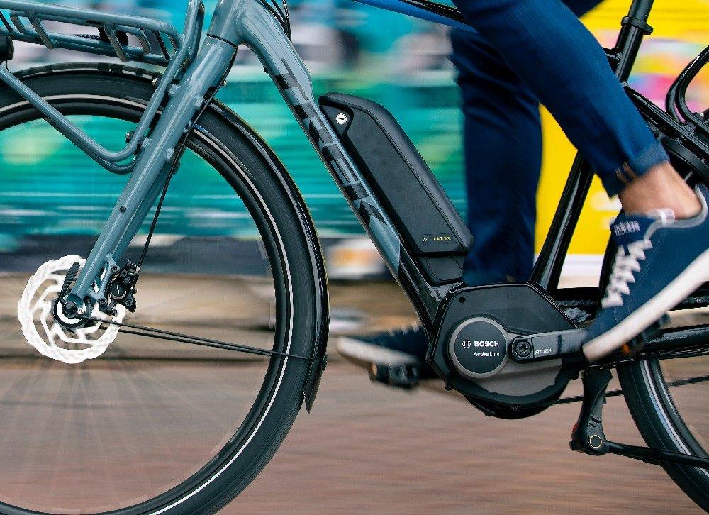 Elektrische fiets met accu aan het frame